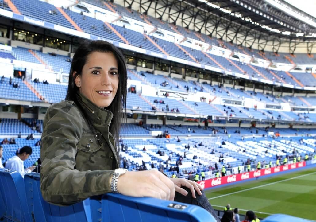 09/11/13 Estadio Santiago Bernabeu ANA ROSSELL Promotora para formar un equipo femenino del Real Madrid